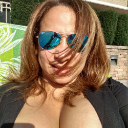 VeryBustyMami, Woman 44  Falls Church Virginia