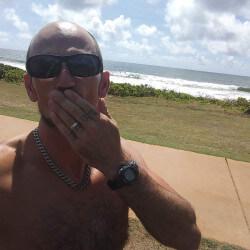 Bigsmalls78, Man 42  Kapaa Hawaii