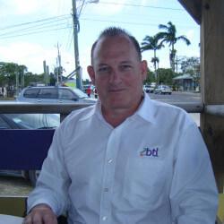 LookingInTheCape, Man 64  Cape Coral Florida